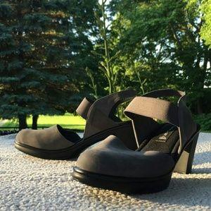 Steve Madden Strappy Heels/Sandals